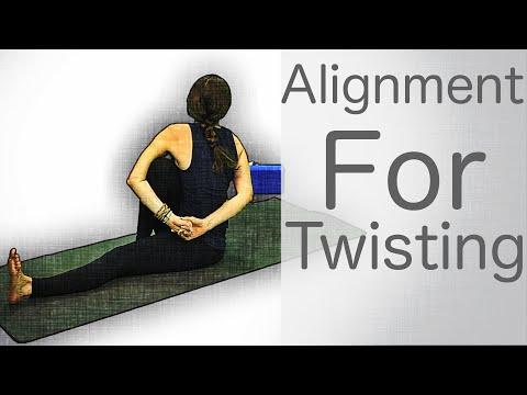 5 Minute Yoga Tutorials: Alignment For Twisting | Fightmaster Yoga Videos