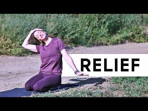 10 Minute Yoga (Relieve stress in your shoulders and neck)